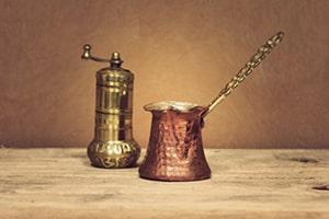 Ibrik et moulin à café turc
