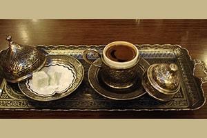 Service de café turc et loukoums